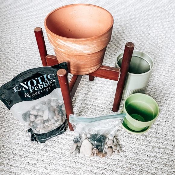 Ceramic Planter Pots & Plant Stand